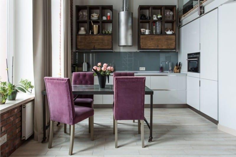 Фиолетовая мебель для кухни