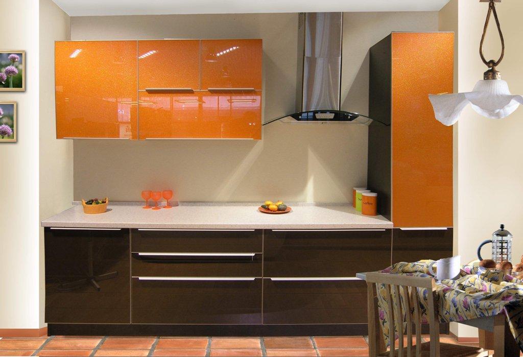 оранжевый и коричневый на кухне