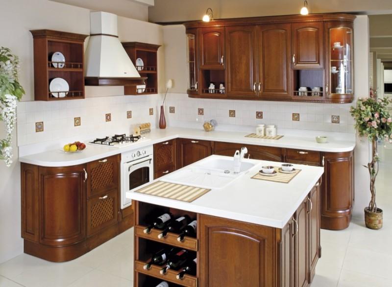 Коричневый кухонный гарнитур на белом фоне