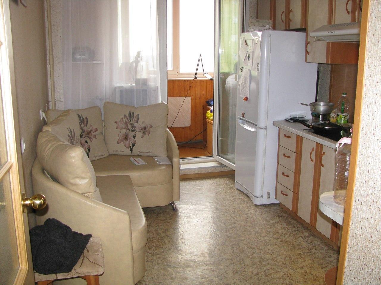 Дизайн кухни 11 квм с угловым диваном.