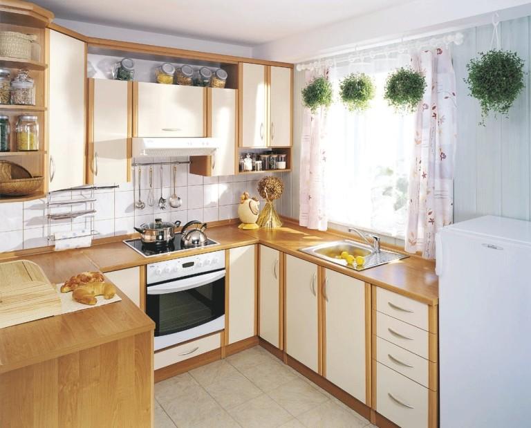 Уютная угловая кухня