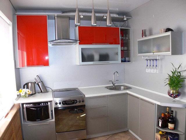 Угловая серая кухня