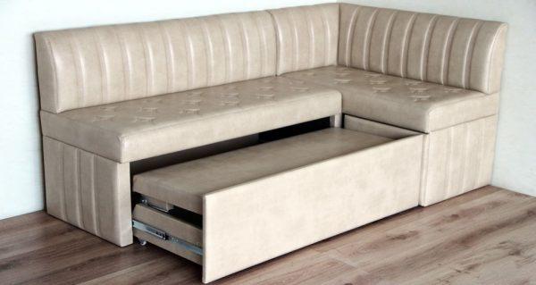 Выкатной угловой диван для кухни