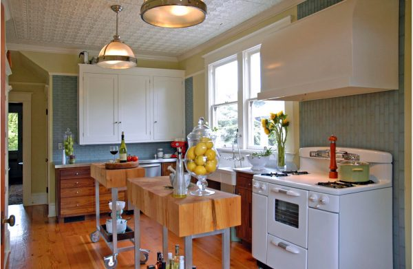 Стильные плафоны для кухни