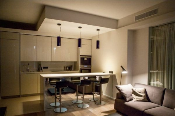 освещение на кухне-гостиной