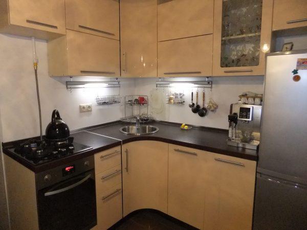 Дизайн кухни 6 кв м в хрущевке в пастельных тонах