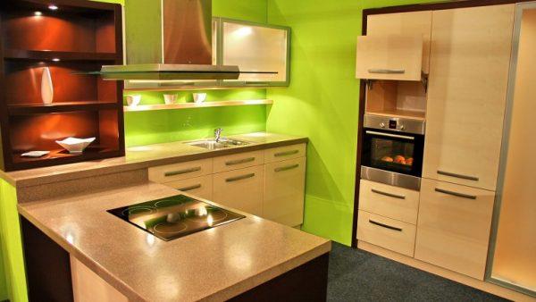 зелёный фон стен на кухне 6 кв м в хрущевке