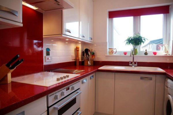 Дизайн красной кухни 6 кв м в хрущевке