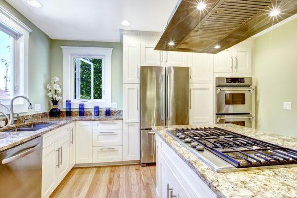 островная кухня без навесных шкафов