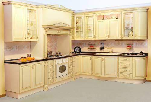 гарнитур на кухню в классическом стиле