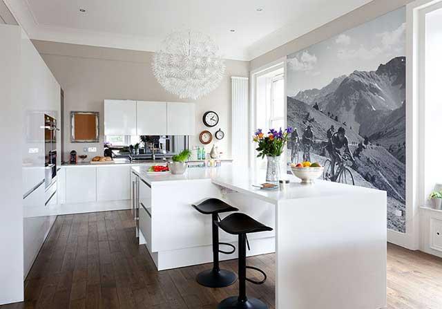 Фотообои для кухни с горным пейзажем