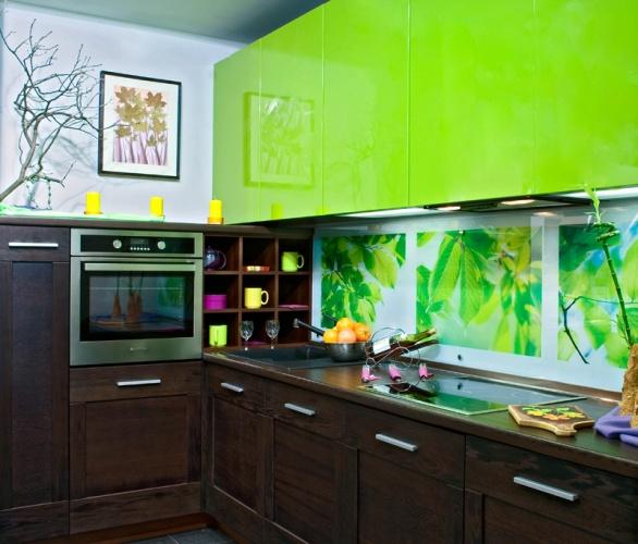 зелёная угловая кухня