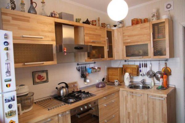 кухня своими руками с деревянными фасадами