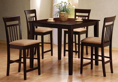 Стол со стульями для маленькой кухни