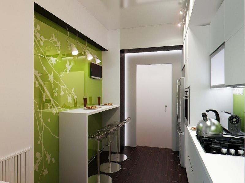 Стол у стены для маленькой кухни