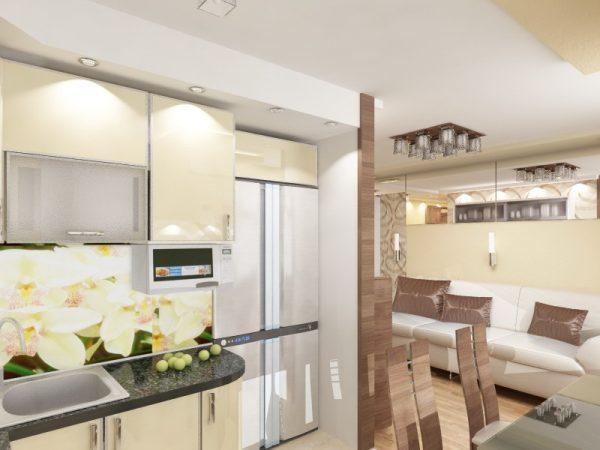 миниатюрный гарнитур на кухне и белый кожаный диван в гостиной