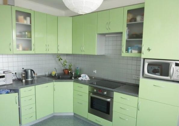 угловая зелёная кухня своими руками