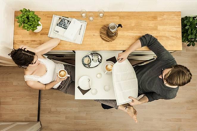 обеденная зона для узкой кухни