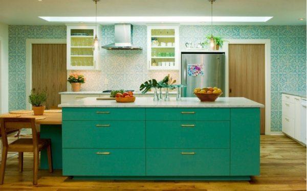 Современная кухня в бирюзовых цветах